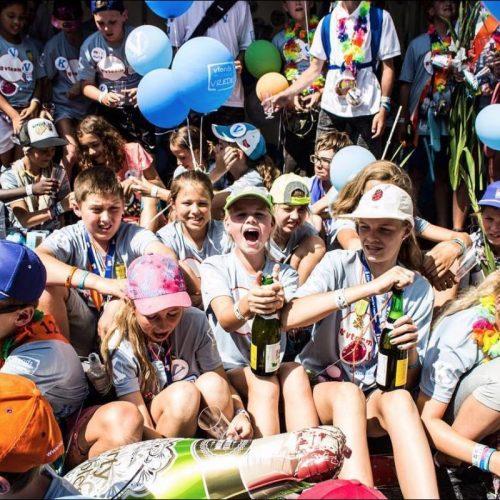 vteam viert feest tijdens vierdaagse